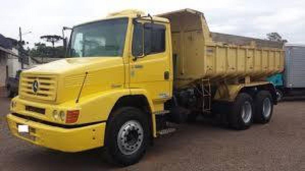 Lagoa Formosa: Caminhão com carregadeira é furtado em posto de gasolina
