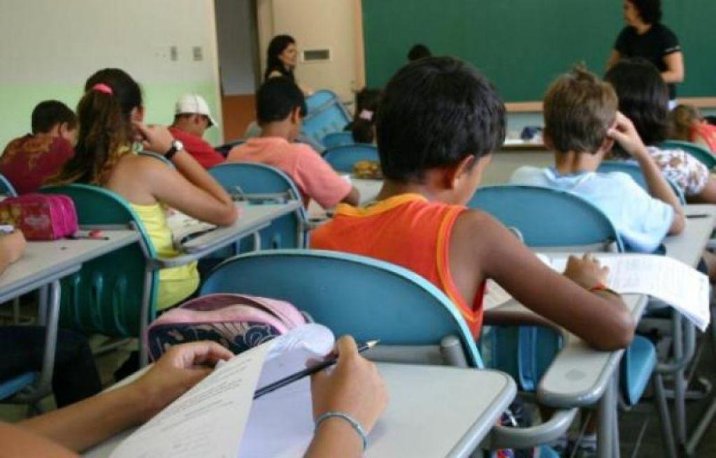 Diferente da rede estadual secretária municipal de educação anuncia nova data para início do ano letivo em Presidente Olegário