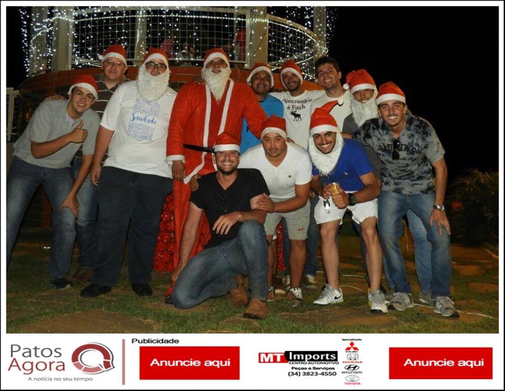 Grupo de amigos se reúne para tornar o Natal de famílias carentes mais feliz em Rio Paranaíba
