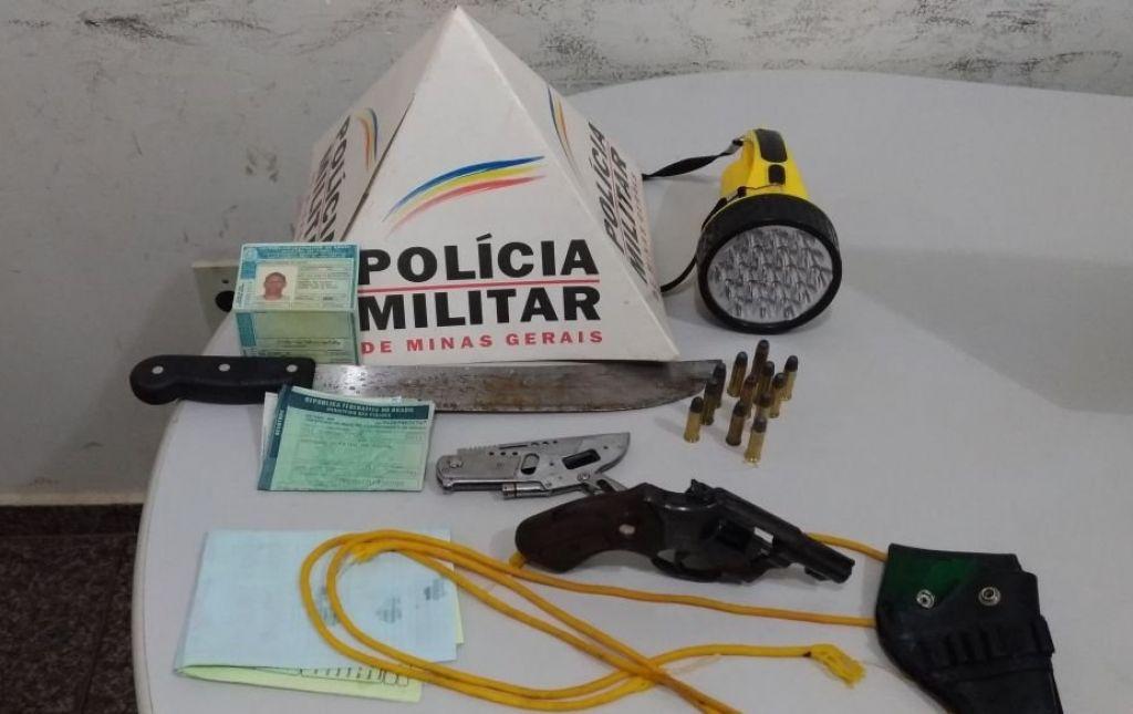 Polícia Militar Rodoviária realiza apreensão de armas e munições durante abordagem na MG-230