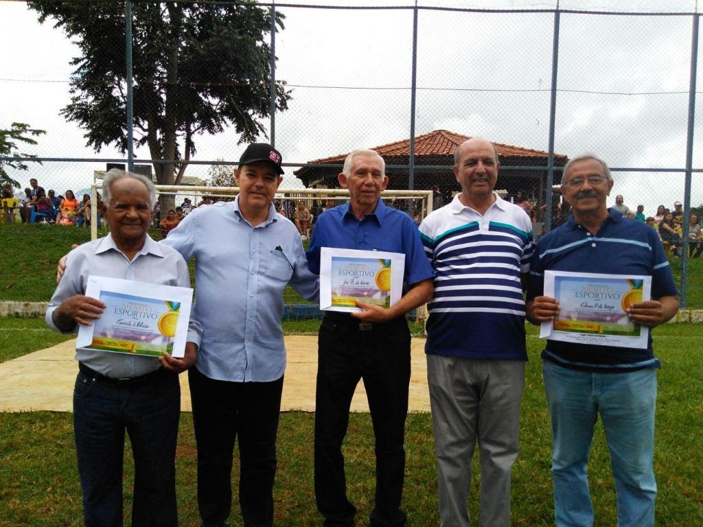 Homenagens a ex-craques do futebol patense marcam a abertura da Taça Zona Rural