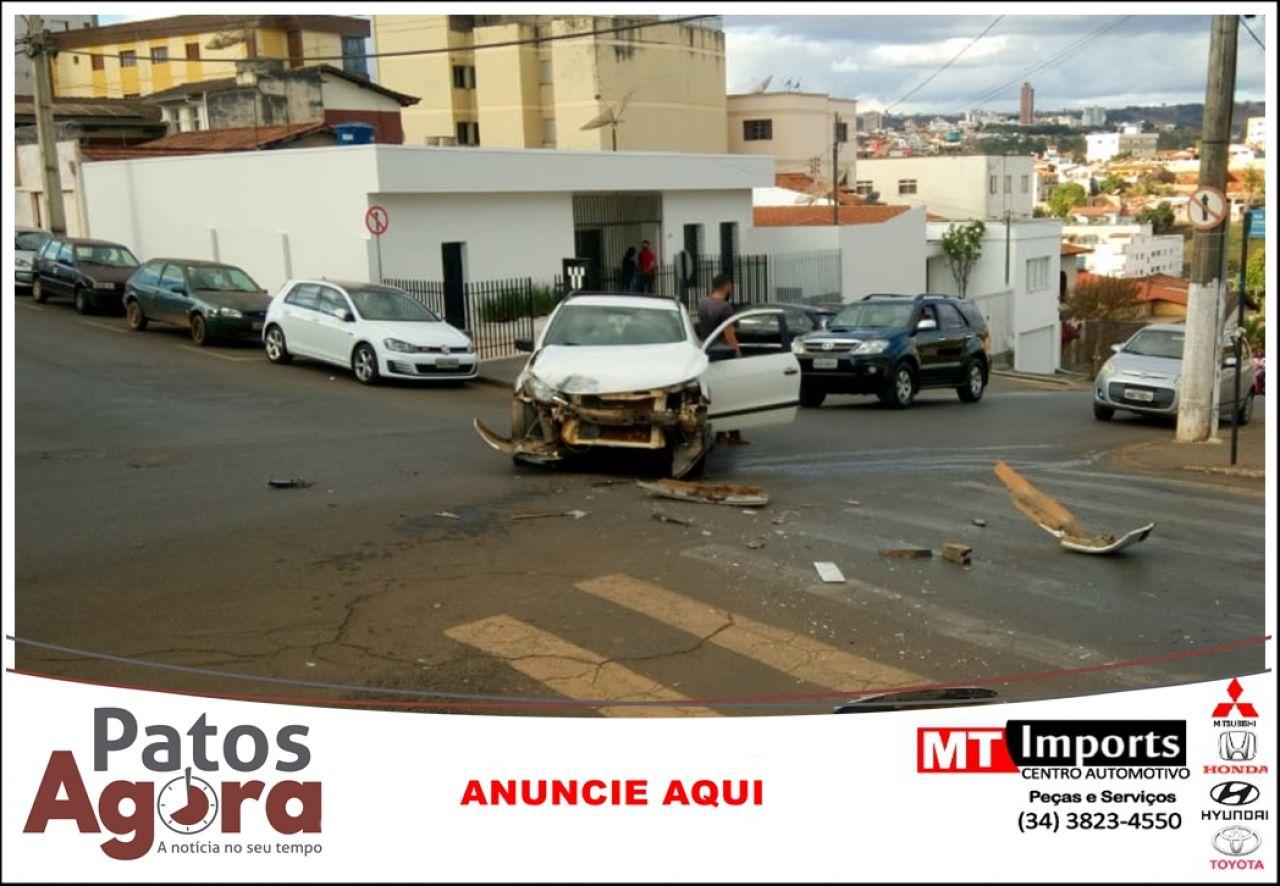 PM procura motorista que provocou acidente na Av. Brasil e fugiu sem prestar socorro