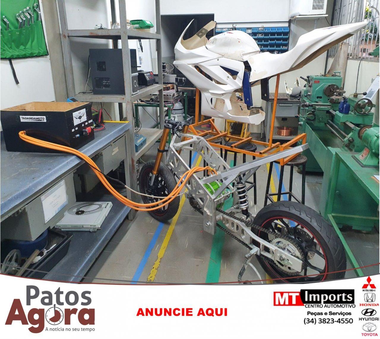Alunos da UFU constroem primeira motocicleta elétrica no Brasil