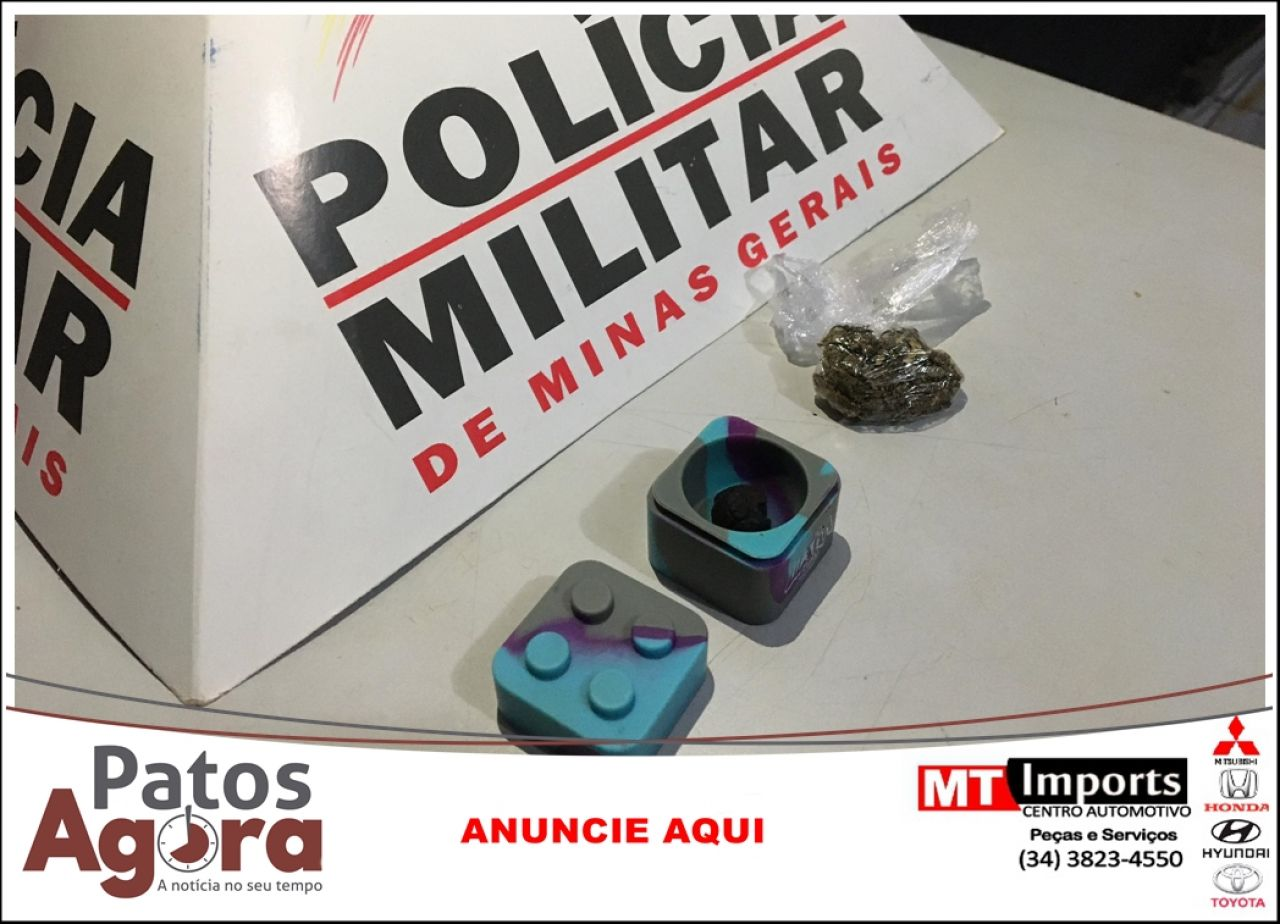 Jovem é preso e namorada é apreendida após PM localizar drogas em veículo no Bairro Alto Limoeiro