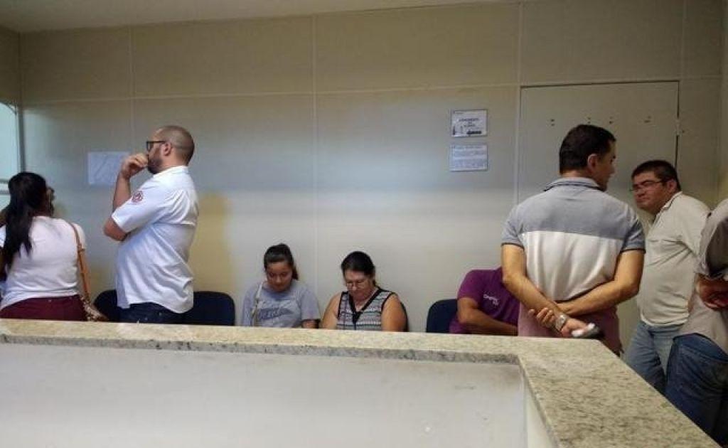 Patenses reclamam do atendimento dos Correios em Patos de Minas; greve piorou situação nesta segunda