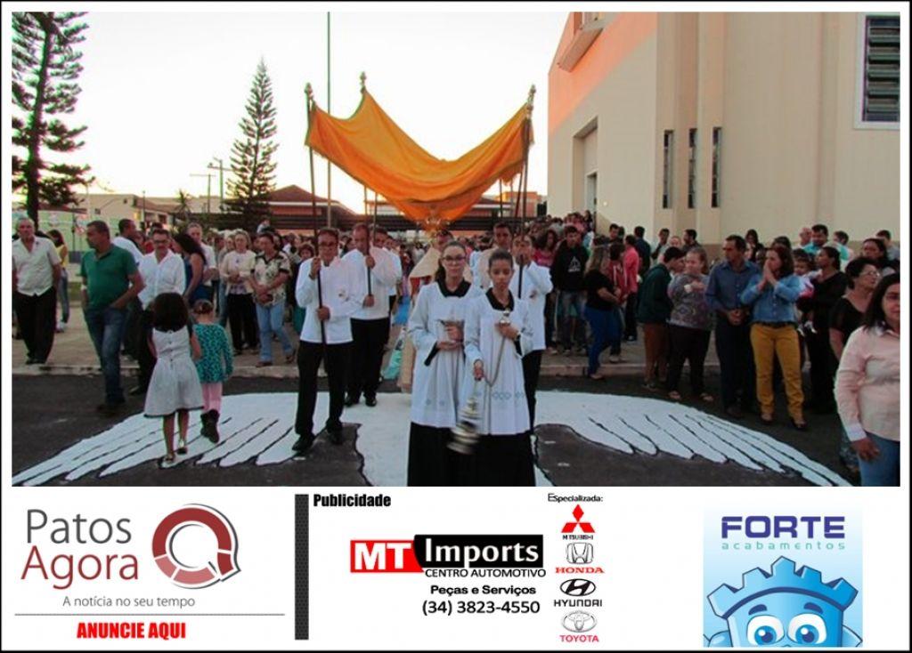 Tradicionais tapetes de Corpus Christi serão substituídos por roupas, cobertores e alimentos para doação em Presidente Olegário