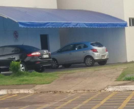 OPINIÃO DO LEITOR: Prefeito vai com carro próprio para prefeitura e internauta parabeniza atitude
