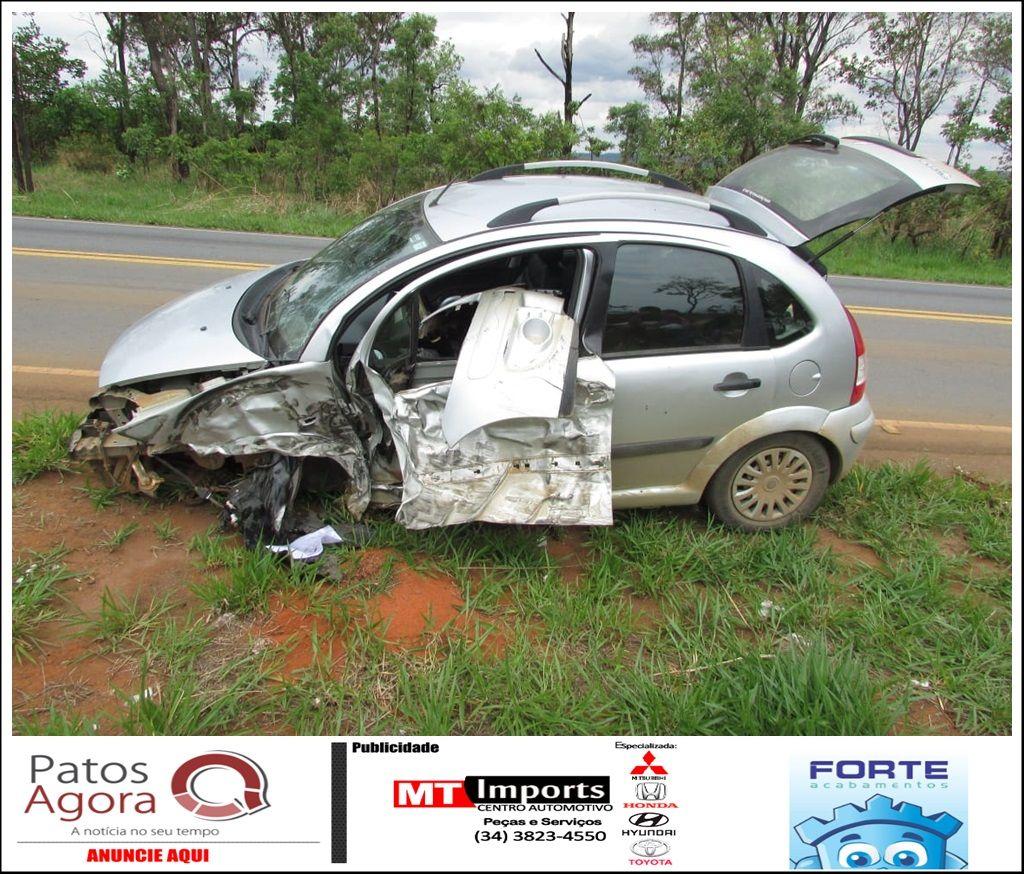 Motorista se distrai, invade contramão e atinge carreta na rodovia MGC-354