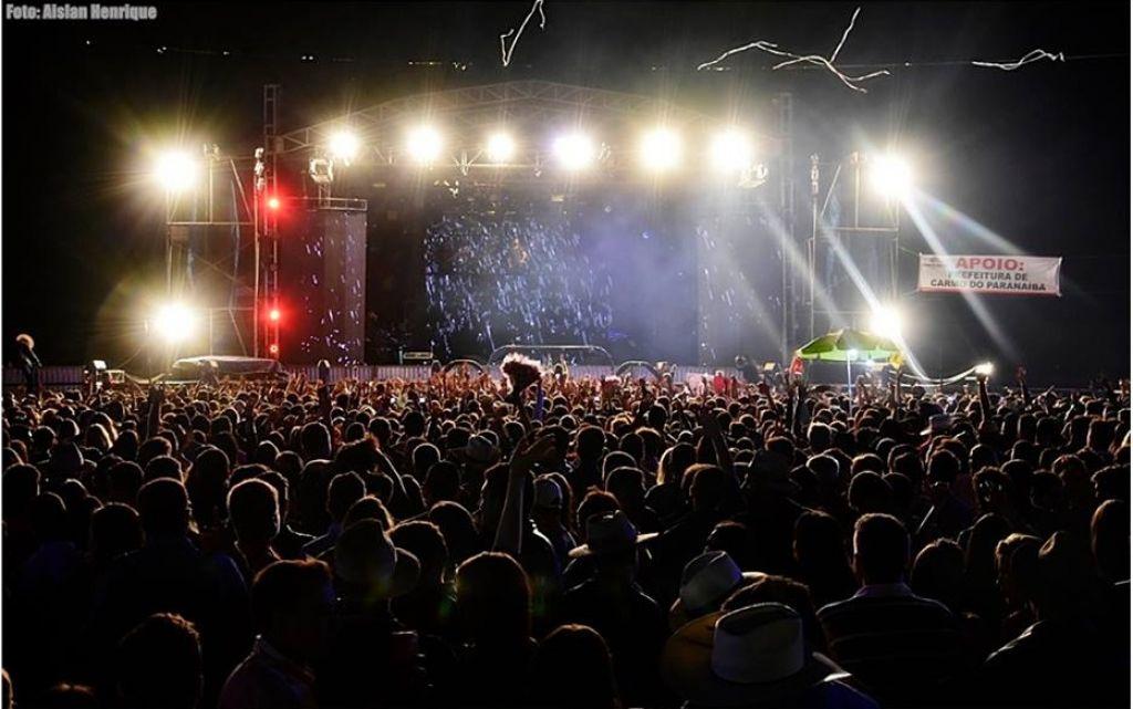 Festa movimenta comércio e leva grandes atrações ao Carmo do Paranaíba
