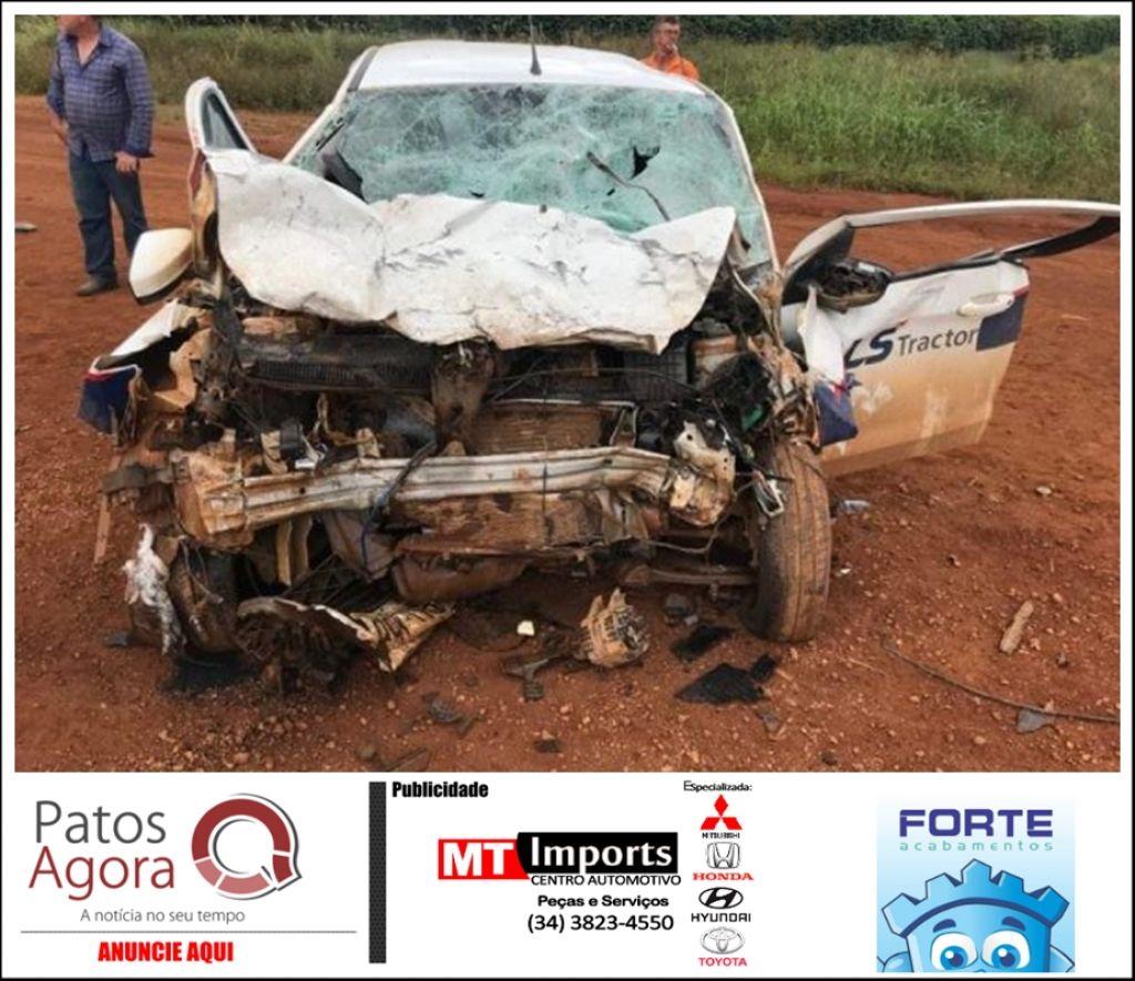 Grave acidente envolvendo veículo empresarial e van é registrado na BR-354