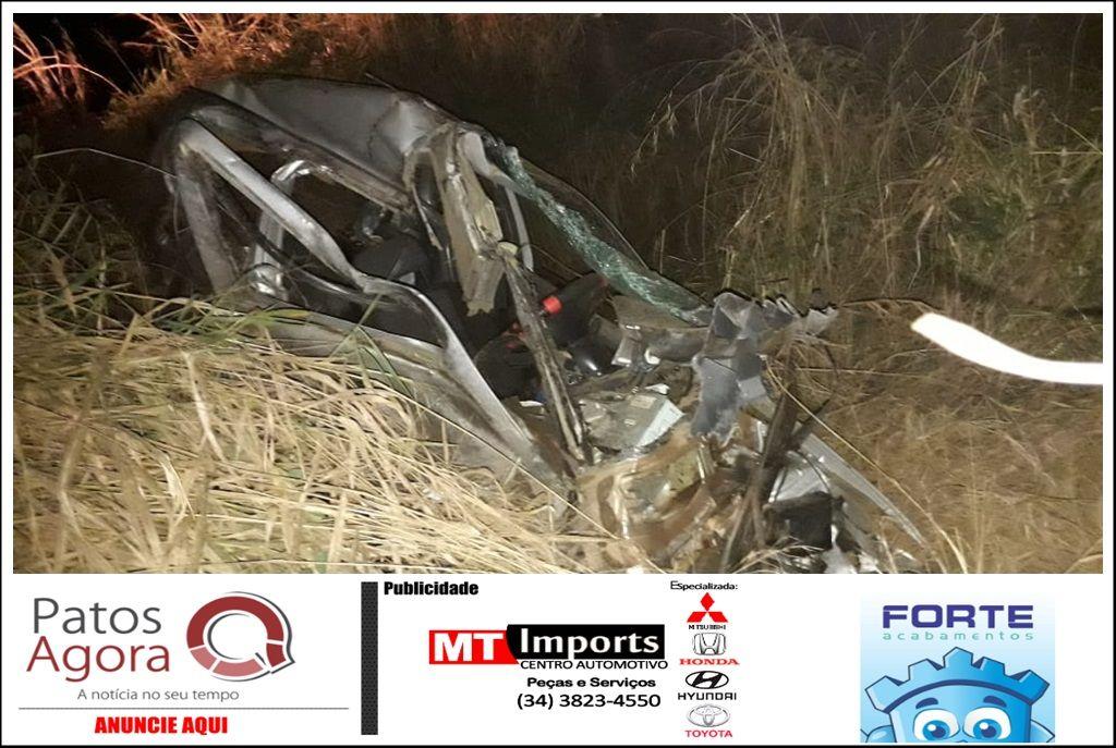 Mãe e três filhos morrem em grave acidente entre carro e carreta na BR-354