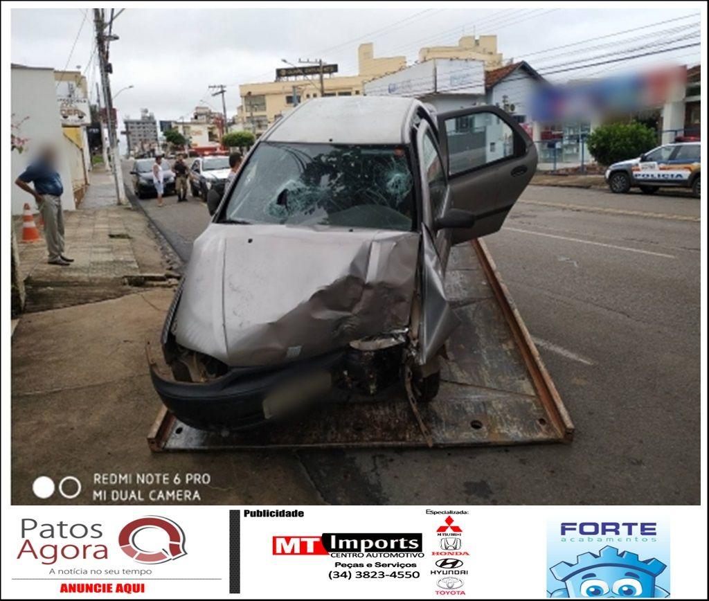 Motorista e passageiro ficam feridos após se envolverem em acidente na Rua Major Gote