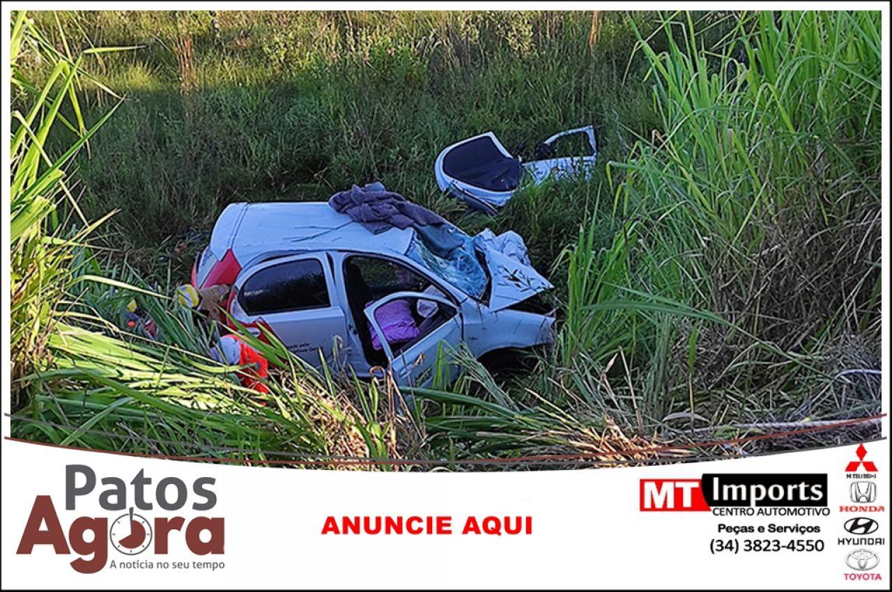 Uma pessoa morre e outras duas ficam feridas em acidente na LMG-798