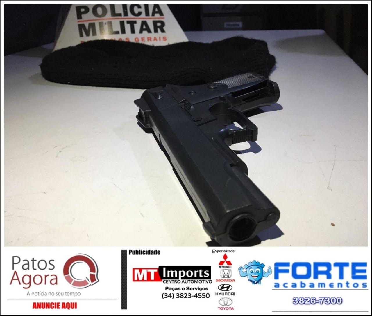 Polícia Militar apreende réplica de arma de fogo