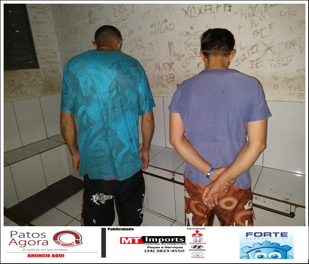 Dupla é presa suspeita de tráfico de drogas no bairro Sebastião Amorim