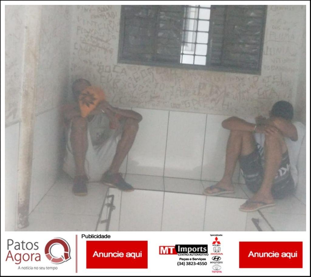 Mãe denúncia filho e PM localiza droga e dinheiro em residência no Bairro Alto da Serra