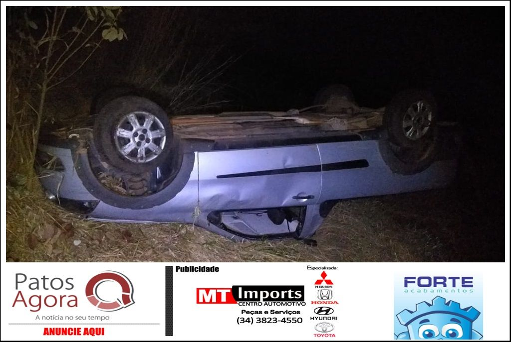 Picape sai da pista e acaba tombando após condutor perder o controle do veículo na rodovia MG-230