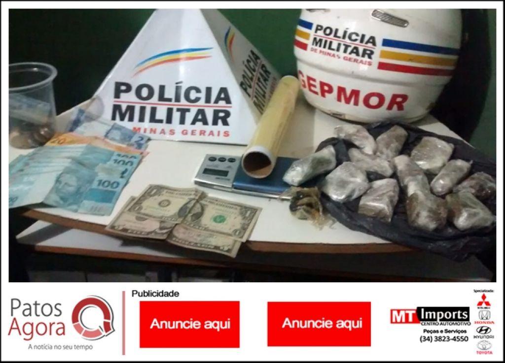 GEPMOR aborda rapaz e localiza drogas, balança de precisão e dinheiro  em casa no Condomínio Moradas