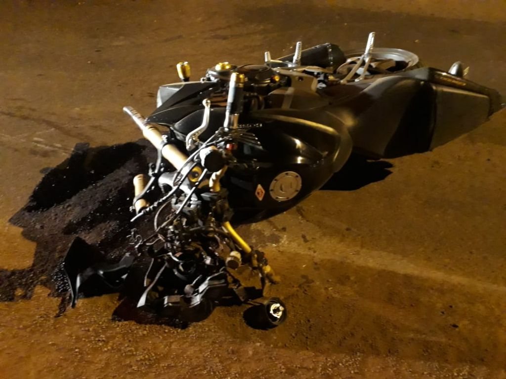 Motociclista fica ferido após roda dianteira da moto se soltar na Avenida Marabá