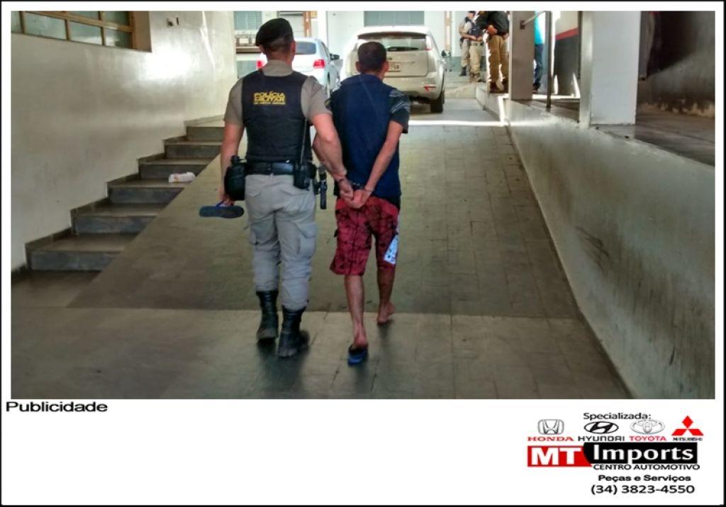 PM prende homem suspeito de tráfico no Bairro Belvedere