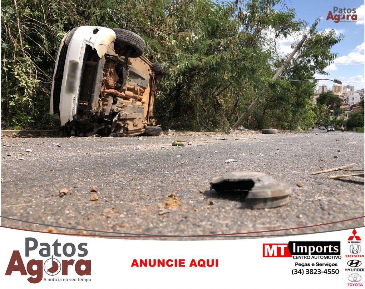 Motorista colide em poste no prolongamento da Avenida Fátima Porto