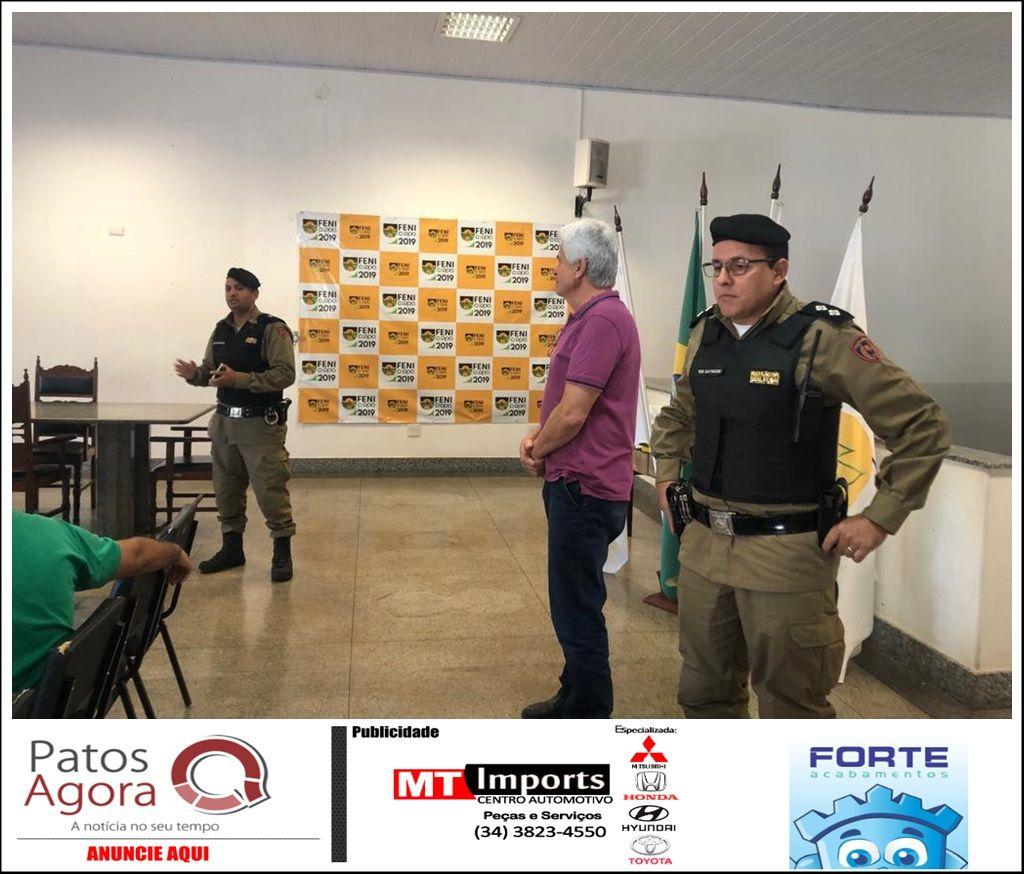 Polícia Militar realiza reunião comunitária em Patrocínio