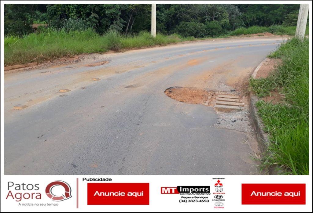 Motoristas e motociclistas devem redobrar atenção Avenida Angra dos Reis