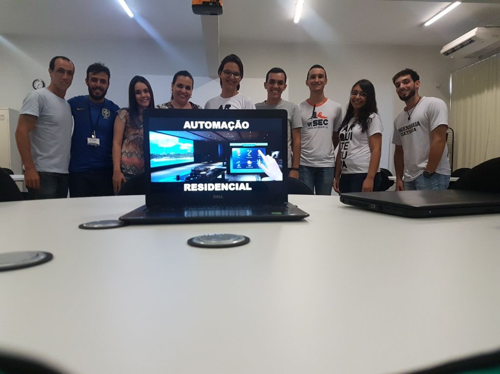 """Alunos do UNIPAM iniciam projeto de """"Automação Residencial"""""""
